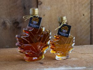 maple syrup maple leaf bottles