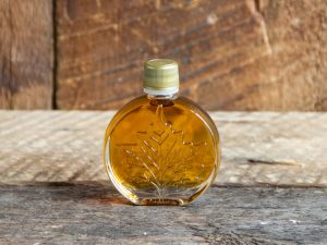 maple syrup party favor size maple leaf round bottle