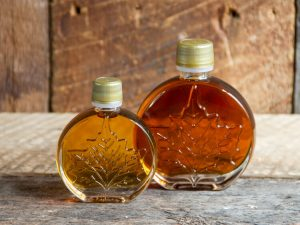 maple syrup party favor size in round maple leaf glass