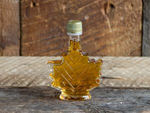 maple syrup party favor size maple leaf shaped bottle