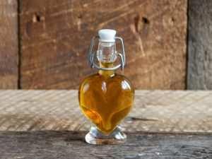 maple syrup party favor size heart shaped