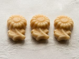maple sugar candy daisies