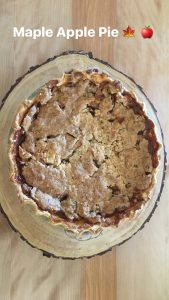 finished apple maple pie